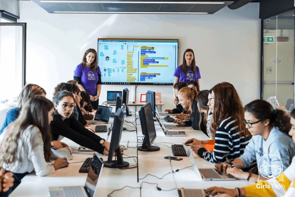 Girls tech-laboratori-torino