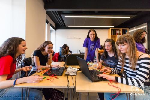 Girls tech-19